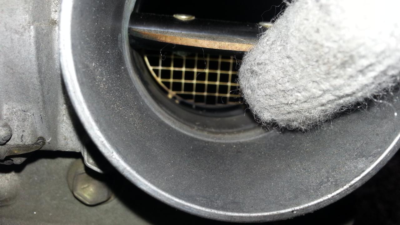 スロットル洗浄でノア(ヴォクシー)のアイドリング不調を直す方法