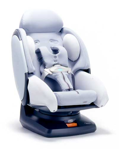 二点式のシートベルトで固定できるチャイルドシートのマシュマロニューボーン