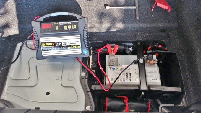 自動的にパルス充電してサルフェーション除去とCCA改善