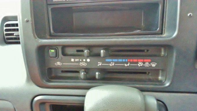 カーエアコンの設定温度