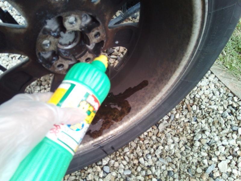 サンポールを使ったアルミホイールのサビブレーキダスト洗浄