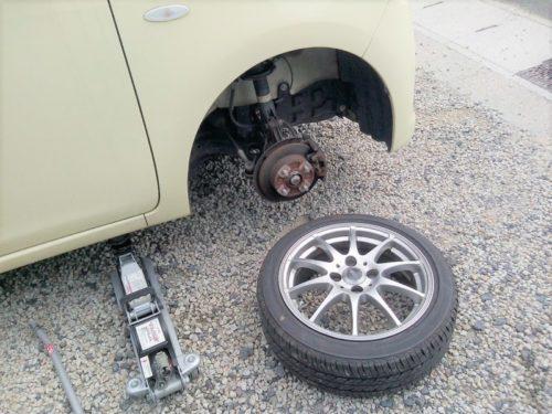 タイヤを取り外す