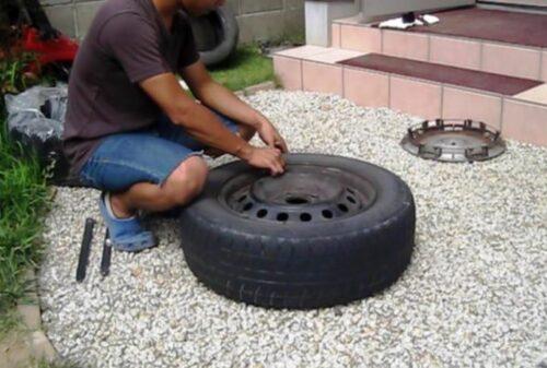 タイヤの空気を抜く