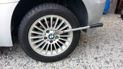 輸入車のスタッドレスタイヤ交換方法(BMW編)