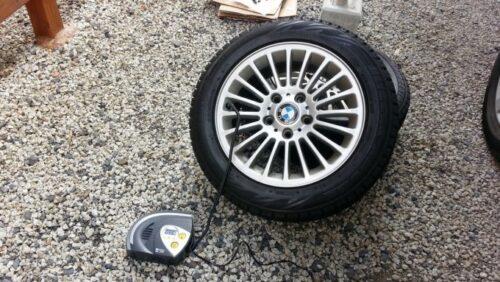 BMWのタイヤに空気を入れる