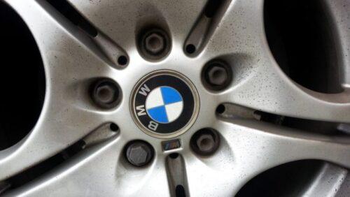 BMW車のホイールボルト