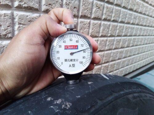 ケンダタイヤ4万キロ時点のゴム硬度