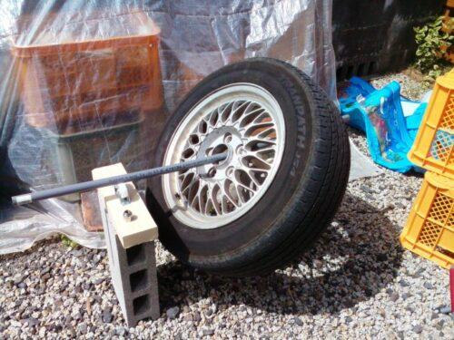 DIYでタイヤバランスを取る