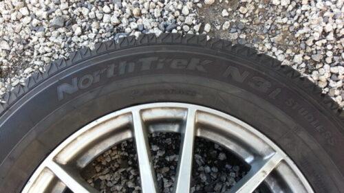 オートバックスのオリジナルスタッドレスタイヤNorthTrek N3i